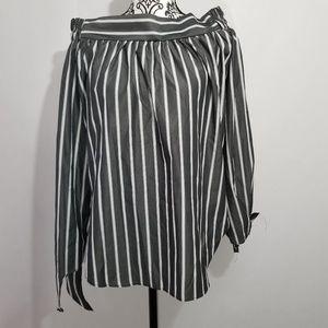 Vizio▪︎Off Shoulder Grey and White Large Blouse